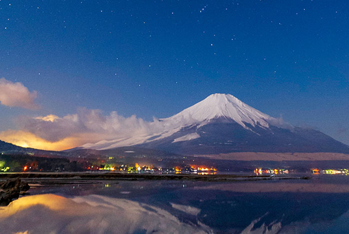 We will give you a digital calendar.  ~Beautiful scenery of Japan~